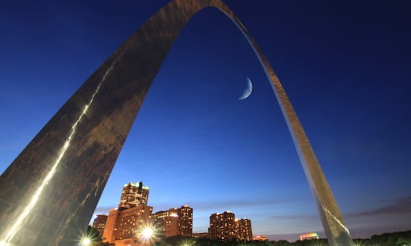st louis arch at night with the ...