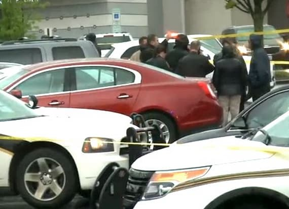 3 victims shot at Maryland mall