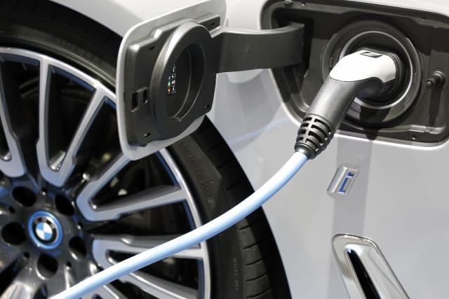 BMW plant elektrischen Mini und X3