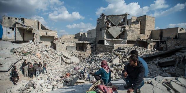Siria, raid con decine di vittime: