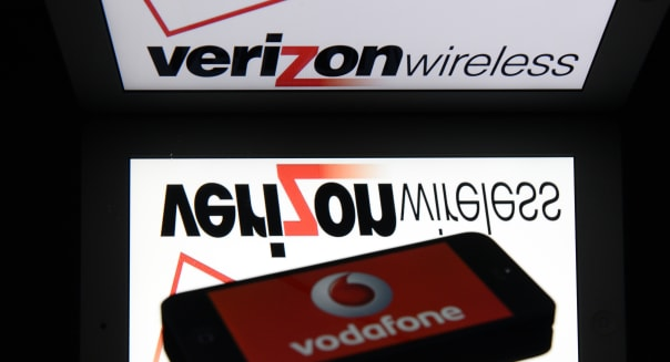 BRITAIN-US-TELECOM-STOCKS-BUSINESS-DIVEST-VODAFONE-VERIZON