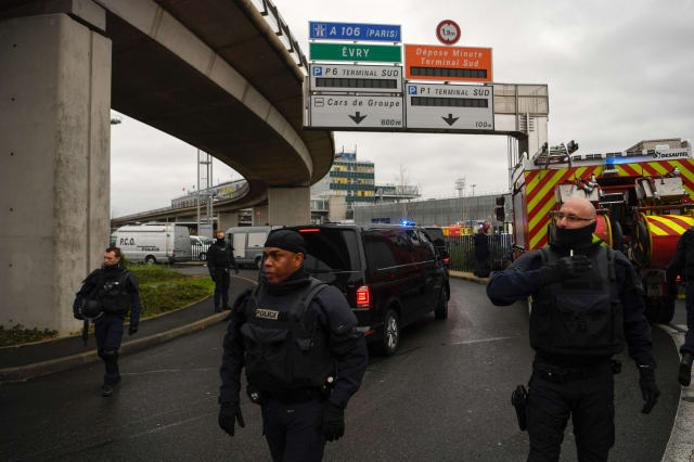 Security footage shows Paris Orly attacker approaching soldier from behind