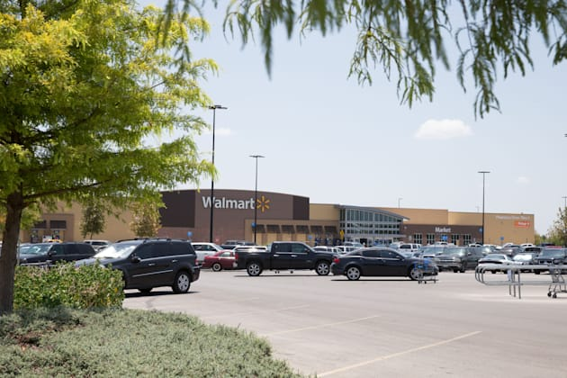 Eight Found Dead in Sweltering Truck at Walmart Parking Lot in Texas