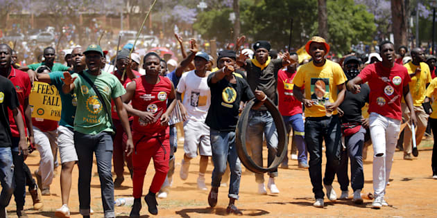 Calm urged in South Africa protests against president