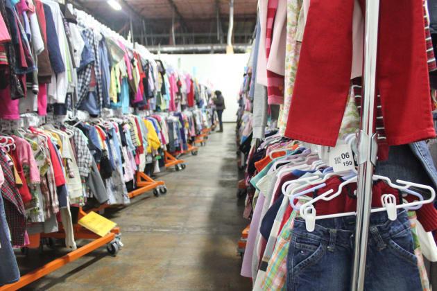 ThredUp, En Línea Tienda De Segunda Mano, Acampa En Canadá - Huffington Post Canada 1