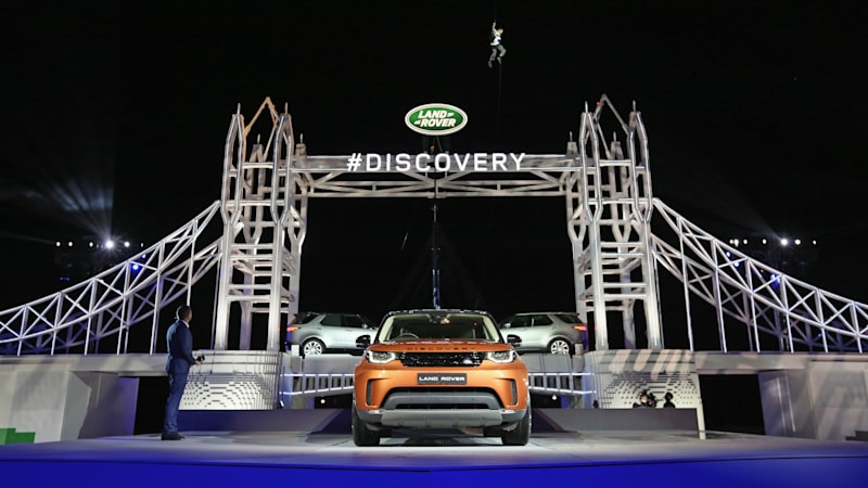 Legos, leaping dogs, and more: Cool things about the 2018 Land Rover Discovery
