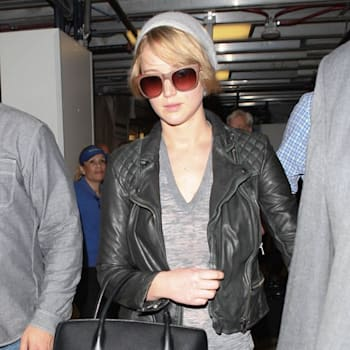 Jennifer Lawrence arriving on a flight at LAX airport in Los Angeles, California on November 4, 2013. FameFlynet, Inc - Beverly Hills, CA, USA - +1 (818) 307-4813