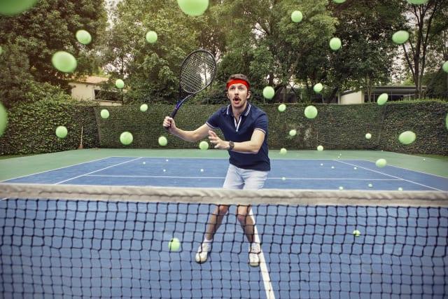 ¿Te has preguntado alguna vez cómo se fabrica una pelota de tenis?