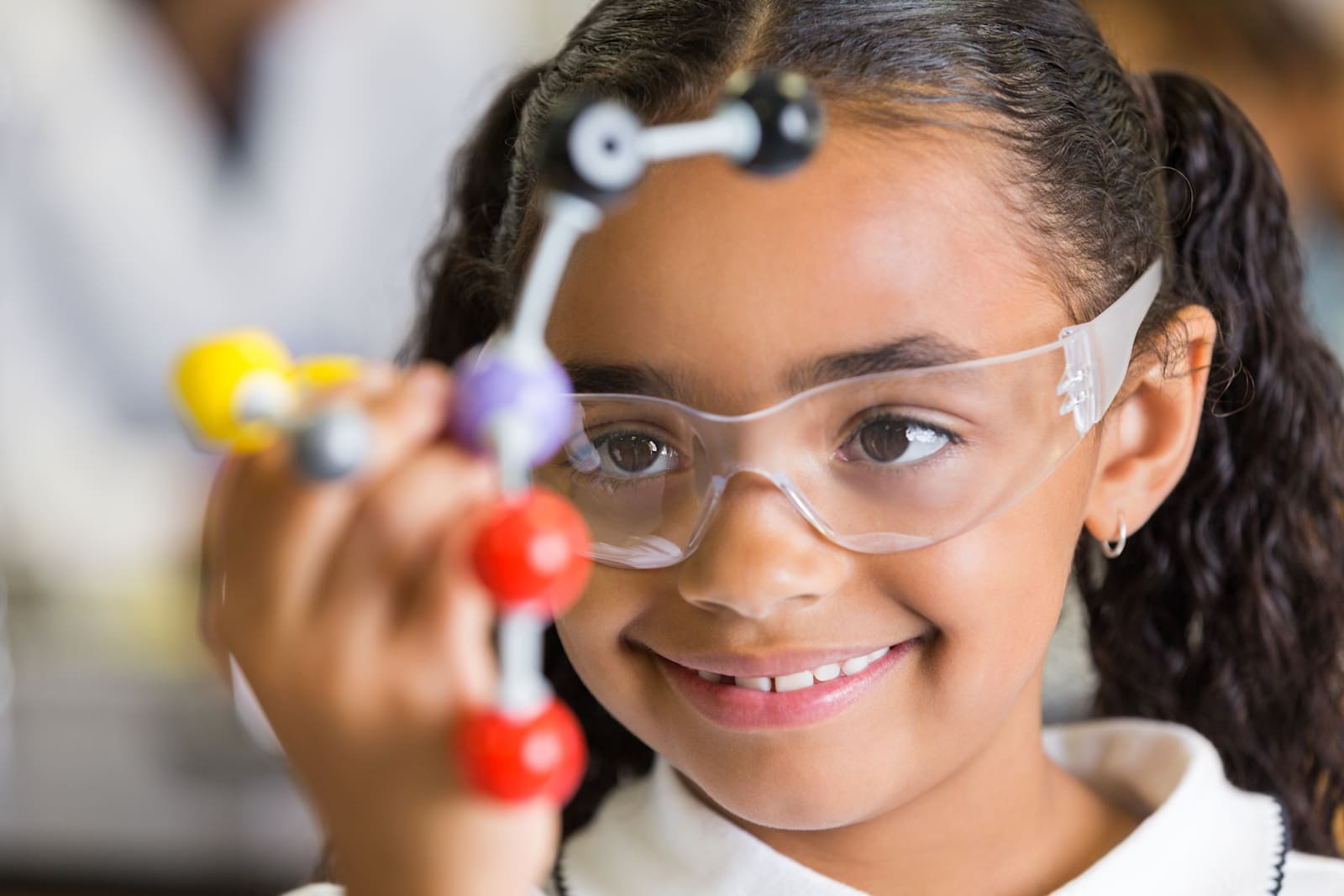 Amazon club gives your kid a science toy every month
