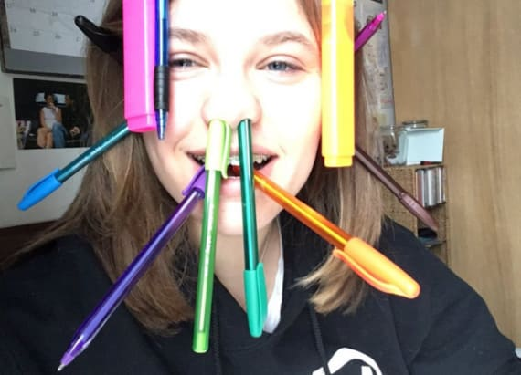 2 Twitter users battle in epic 'pen challenge'