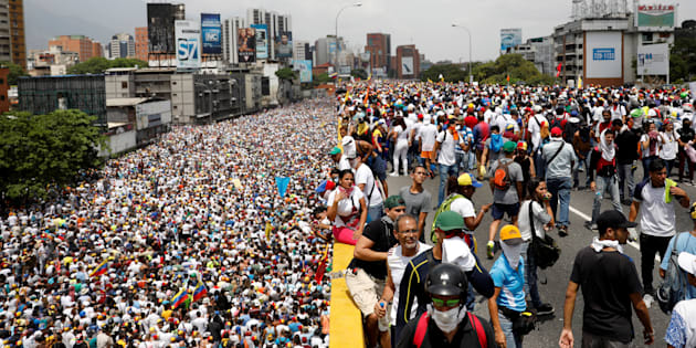 20 morts dans des manifestations conte le président Maduro — Venezuela