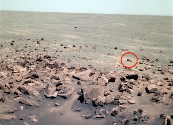 Alien hunter spots shoe left behind on Mars