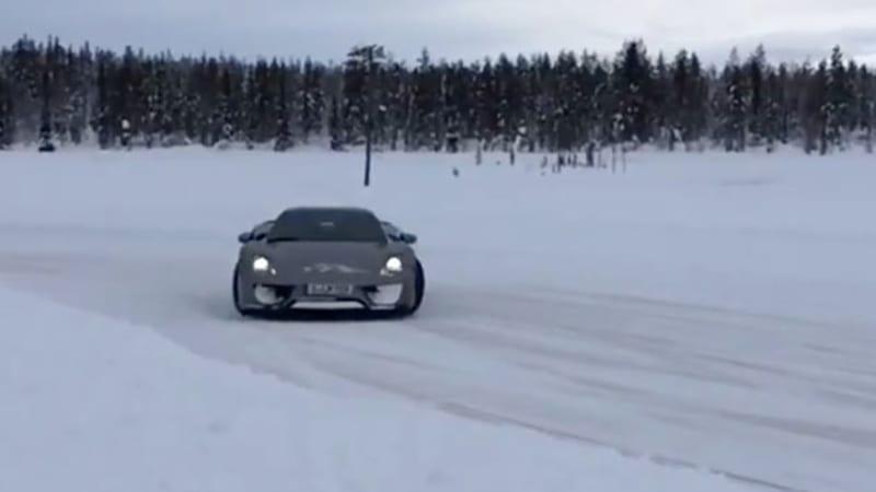 porsche 918 spyder goes ice drifting in finland autoblog. Black Bedroom Furniture Sets. Home Design Ideas