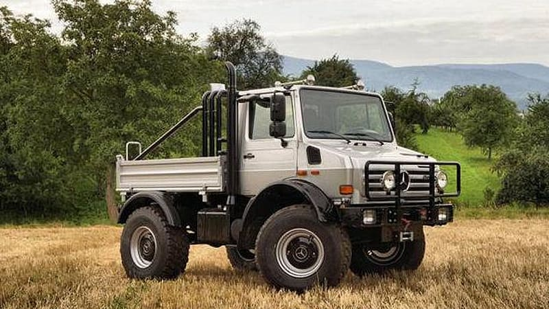 Buy arnold schwarzenegger 39 s incredible mercedes unimog for Mercedes benz unimog for sale usa