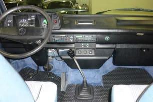 1987 vw vanagon syncro interior
