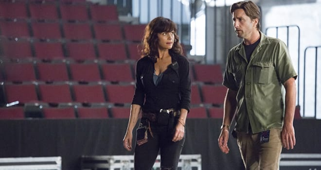 Cameron crowe s roadies trailer takes you behind the music