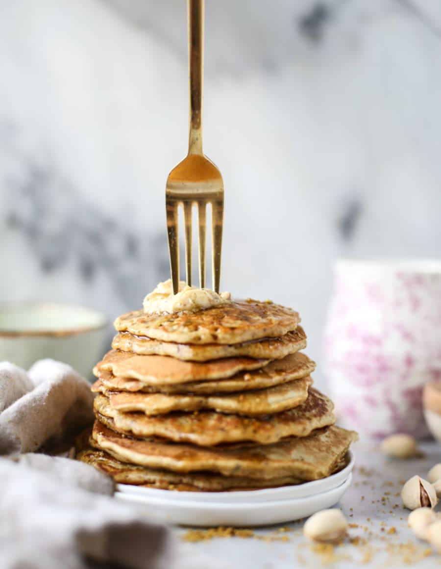 Pistachio pancakes with pistachio butter