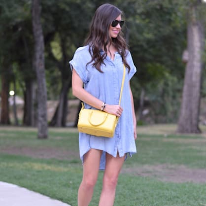 Street style tip of the day: Pop of yellow