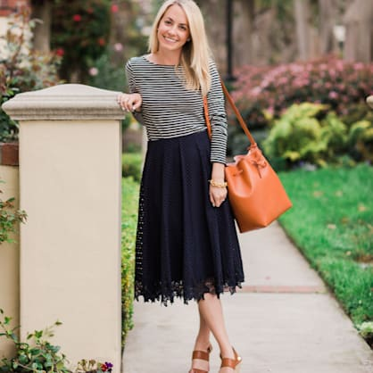 Street style tip of the day: Lace midi skirt