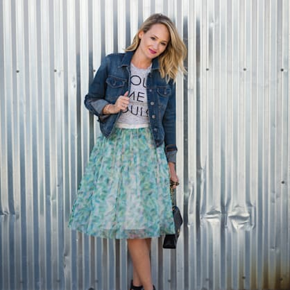 Street style tip of the day: Bright blues