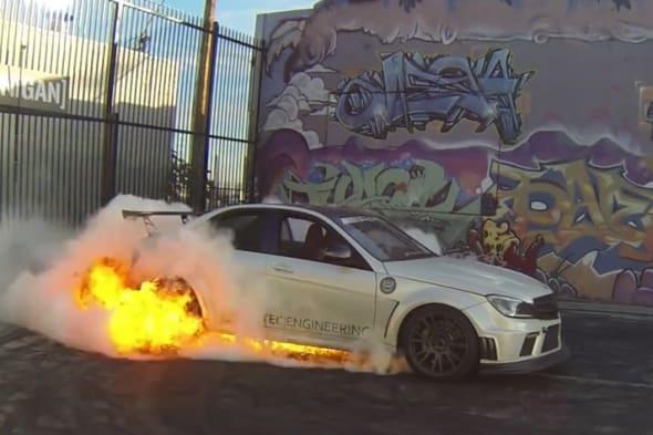 Mercedes-Benz, C63 AMG, Burnbout, Feuer, Flammen, Gummi geben, Jamie Liu