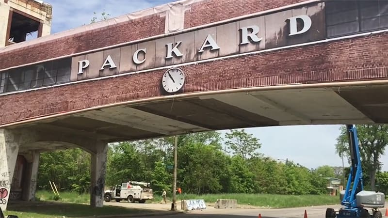 Compare Car Insurance Quotes >> Detroit's Packard plant starting to look like 1930 again - Autoblog