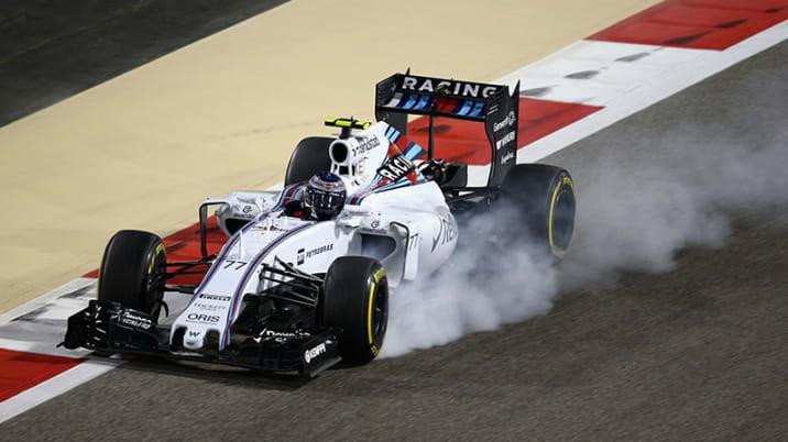 Valtteri Bottas locks up during the 2015 Bahrain F1 Grand Prix.