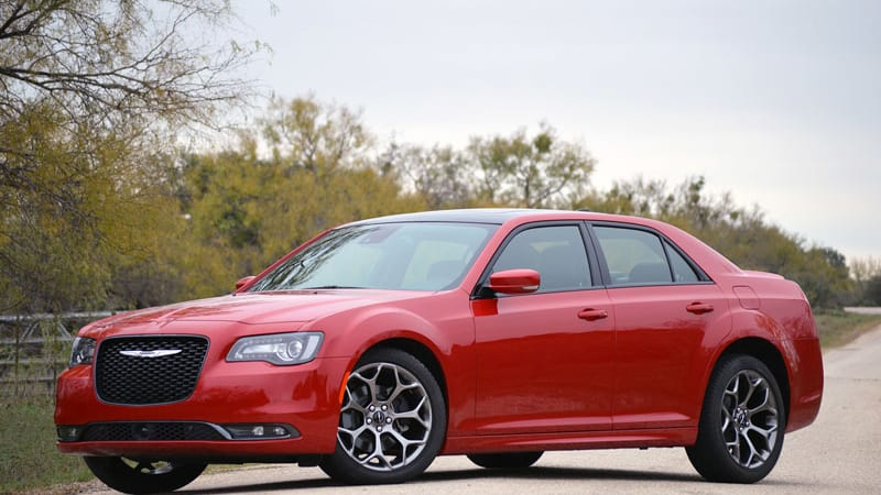 Buying bang for your buck: Chrysler 300 and Kia Cadenza ...