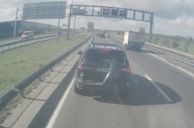 Russian Semi repeatedly hits a BMW