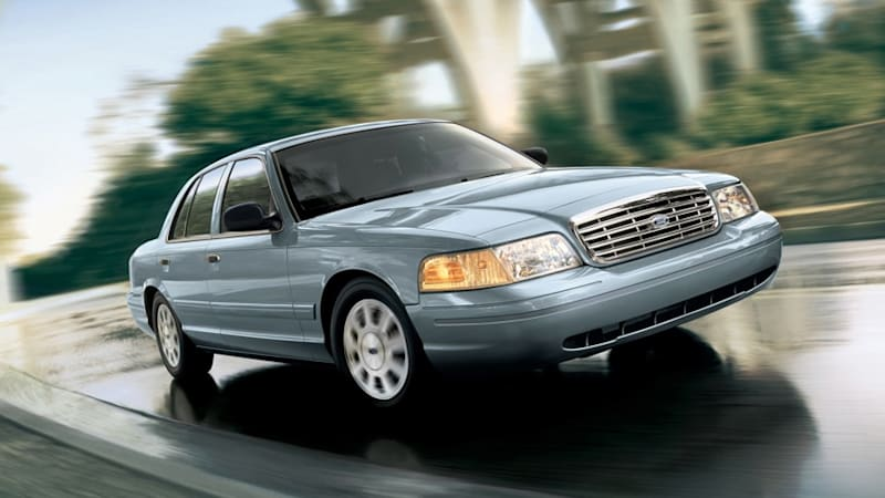 Ford recalls 300,000 Crown Vics over lighting module