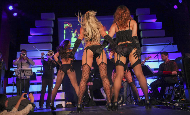 silicon valley fashion week burlesque dancers controversy