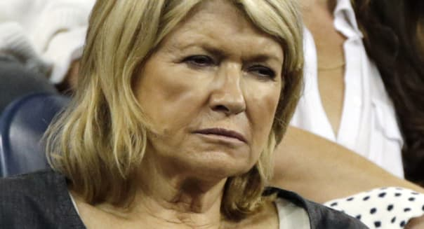 martha stewart takes on Apple via twitter