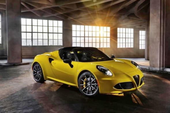 Debüt in Detroit: Alfa Romeo 4C spider