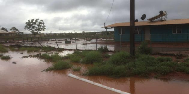 Record-breaking rainfall closes Australia's Uluru national park