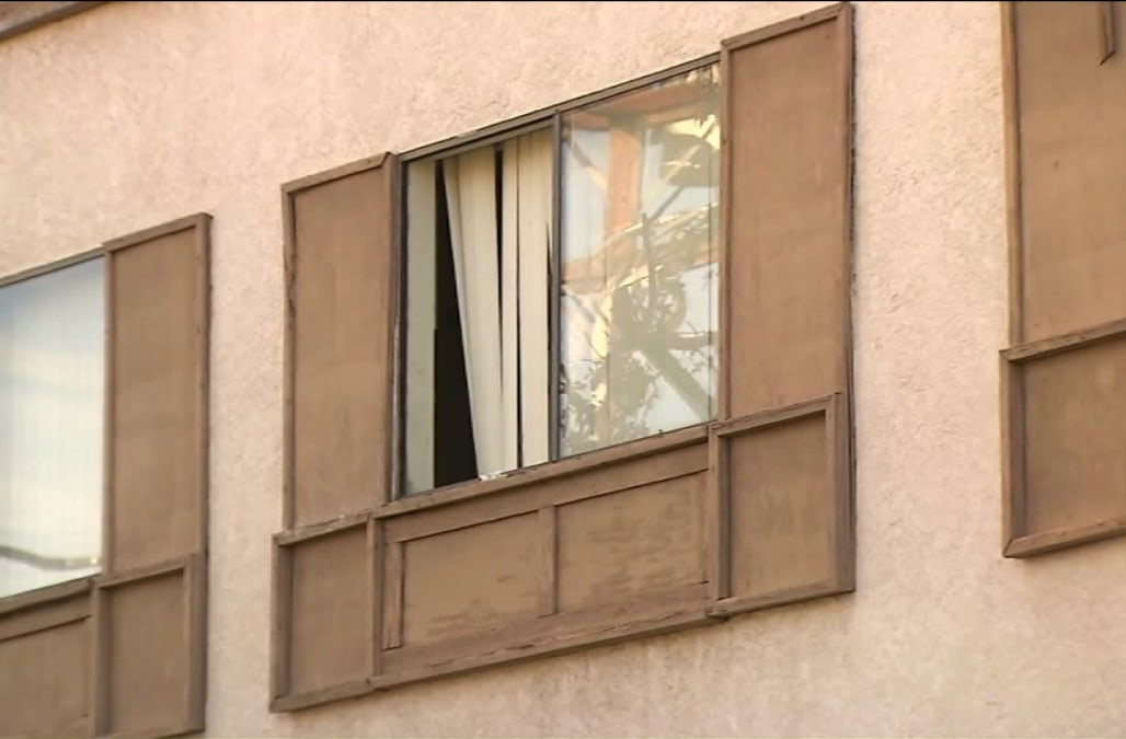 Lapd Mother Dies After Son Throws Her Out Of 2nd Floor