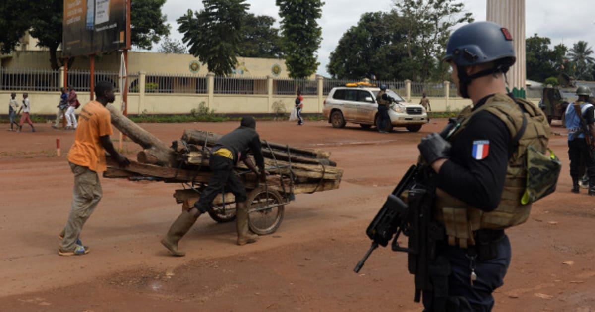 Burkina faso deux militaires fran ais soup onn s de p dophilie suspendus - Charline vanhoenacker vie privee ...