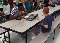 FSU football player sits with autistic kid at lunch