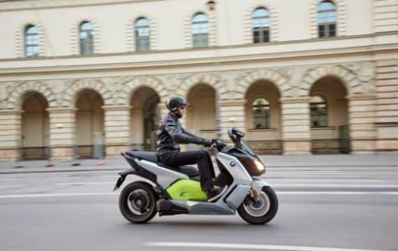 BMW Motorrad 初の電動スクーター「C evolution」発売開始!
