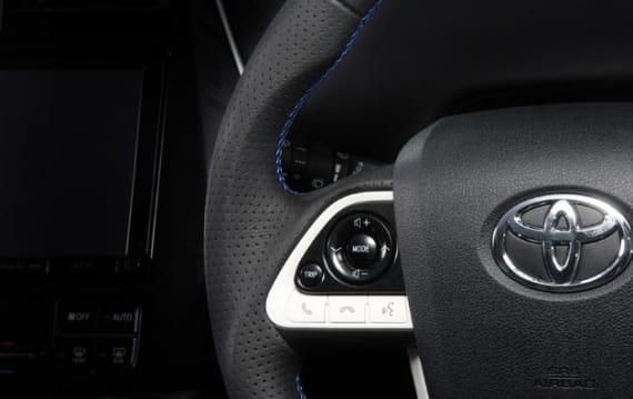 トヨタのオフィシャルチューナーTOM'Sが、新型「プリウス」用ステアリング、エアロ、マフラーを発売!!