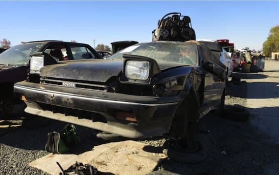 AE92型トヨタ「カローラ GT-S(スプリンタートレノ)」を廃車置場で発見