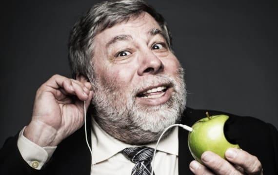 アップル共同創業者ウォズニアック氏がiPhone 7のイヤフォンジャック廃止に否定的意見