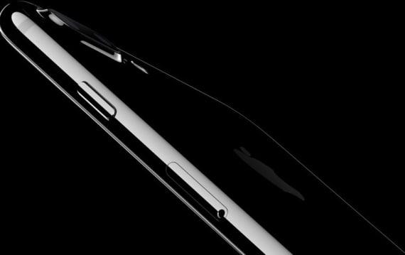 iPhone 7 ジェットブラックの4割は再加工とのうわさ。品薄の原因についてアナリストが発言