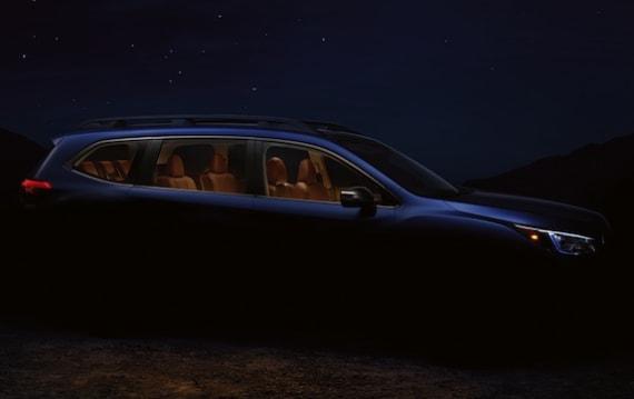 スバル、3列シートを備える新型クロスオーバー「アセント」の姿をチラ見せ!