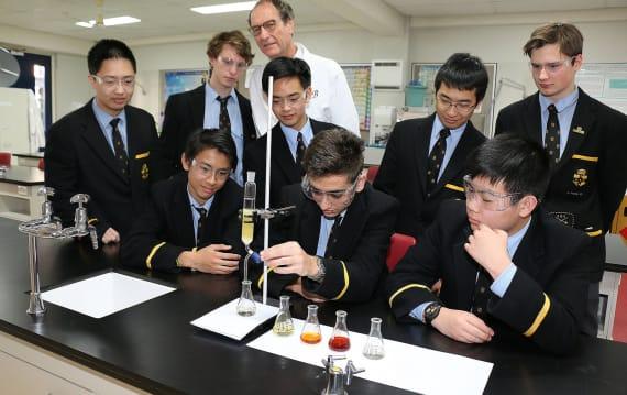 「大炎上男」が「1錠9万円」に釣り上げたHIV薬、オーストラリアの高校生が約230円で作り出すことに成功