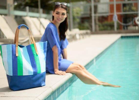 The perfect tote for vacays & staycays
