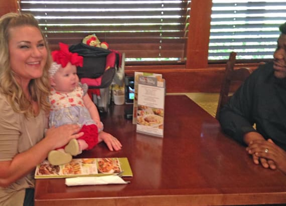 Olive Garden waiter's touching gesture goes viral