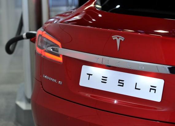 Tesla owner watching film during autopilot crash