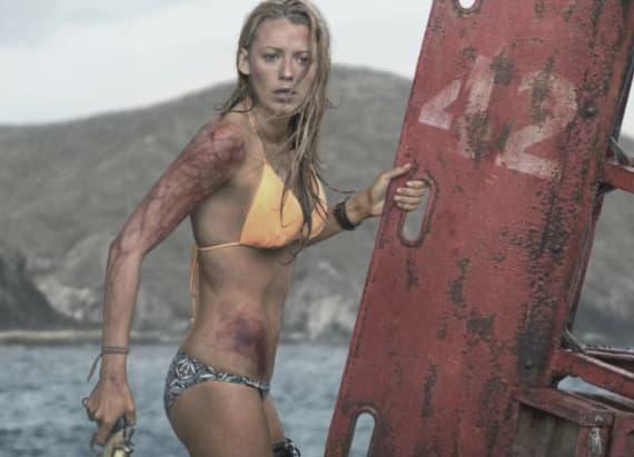 Blake Lively shows off bikini bod