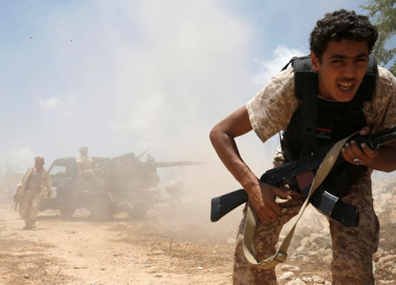 Photographer's challenge: Libyan forces battle ISIS