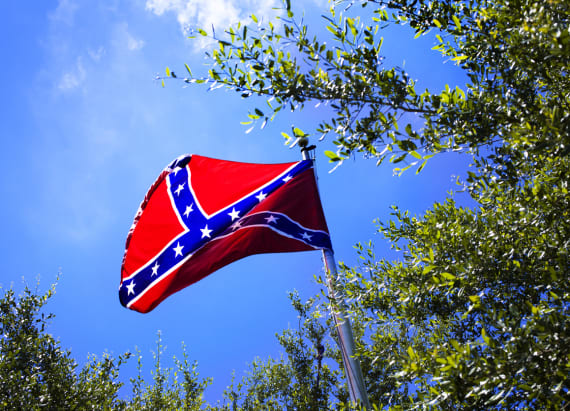 Secessionists to pepper roads with Confederate flags